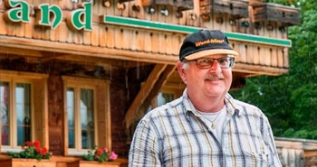 Sawmilling success for Swiss hotel owner in the Alps